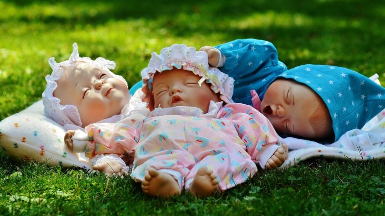 When Can Babies Fall Asleep on their Own?